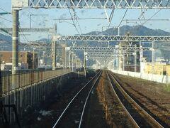 静岡駅を出発。 前面ガラスが結構汚れている。