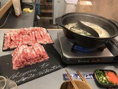 ラム肉は300g/1人。ジンギスカンと違って、あっさりしていて胃にやさしく美味しいです。タイミング的に量もちょうど良かったです。