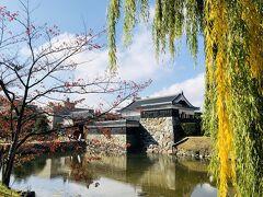 駅まで送迎があって。希望があれば途中の松本城でおろしてもらえます。 松本行くなら見たほうがいいって教えてもらって。行って来ました。