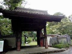 清瀧寺山門。