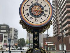 久留米に来た目的のひとつは、この、からくり時計を見ること。時間によって、久留米出身のチェッカーズ(涙のリクエスト)や、松田聖子(赤いスイートピー)のBGMが流れます。