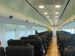 15:29分発 特急カモメ2号 乗客は殆どいません 諫早行き区間快速「シーサイドライナーです。