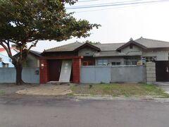 明徳新村の住居、リニューアルされています。軍旅舎と書いてありました