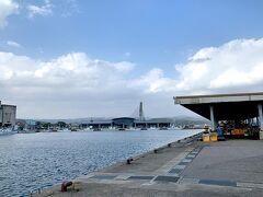 金沢から約1時間。 氷見漁港へ到着。