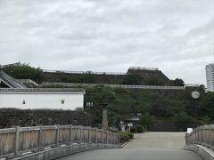 次に、甲府城です。 甲府というと、武田信玄ですが、甲府城は信玄の城ではありません。 信玄の居城跡は武田神社で、そちらの方が有名だし観光客も多いですね。