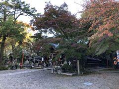食後は京都散策でしゃれこみましょう。 まずはホテル近くの旅行の神様、粟田神社。