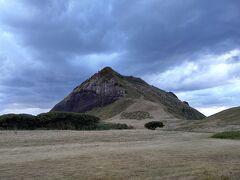16:00 大野亀到着 佐渡最大の一枚岩は、数億年前に隆起した岩石らしい