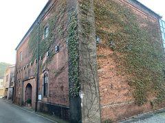 油津の観光場所「油津赤レンガ館」。大正時代に造られた2階建ての赤レンガ倉庫。