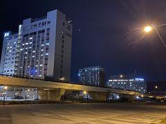 手前の建物がセンチュリーマリーナ。奥が函館国際ホテル、さらにその右奥がラビスタ。