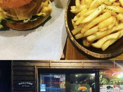 晩ご飯は「対馬バーガーKiyo」にて、ダブル対馬チーズバーガーのコンボセット。食べかけを載せるのもアレなので写真はないが、ハンバーガーはひじきも入っていてテリヤキ味だった。