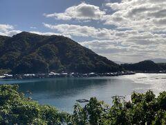 この写真ではわかりにくいけど、伊根の舟屋群が一望できます。前回初めて来たのは・・・13年も前のことだったのか( ゚Д゚)  関連旅行記:『夕日ケ浦温泉 はなれ風香&舟屋を眺めに伊根町へ』 https://4travel.jp/travelogue/10862961