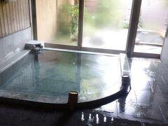 2日目の朝風呂。最高に気持ちいいですが、もうすぐ出発だと思うと切ない・・・。