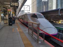 東京駅9:12発の新潟行きとき305号で出発です。 東北上越新幹線の東京駅は折り返し時間が短く車内清掃が終わるのが発車3分前と結構あわただしくて、個人的に好きでは無いんですよね。 ホームも次発列車を待つ人とかも多いからなんかいつも混雑している印象があります。