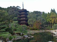瑠璃光寺の五重塔は国宝ながら唯一拝観料なしで見学でる施設です。