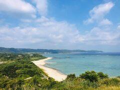 あやまる岬から笠利崎方向の眺め。