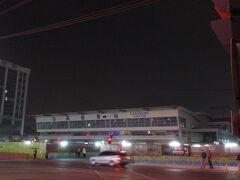 こちらは高雄駅の地下化工事に伴い、2002年から2018年まで供用されていた高雄駅の仮駅舎。 私もたびたびこの駅舎を利用したことがあります。