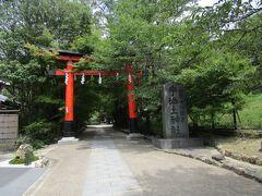 宇治上神社です。  本殿は、日本最古の神社建築。世界遺産です。