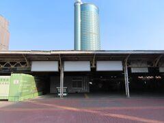 台鉄台南駅、まだ改装中でした