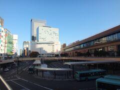 おはようございます。 いつもの仙台駅。本日は快晴であります。 阿武隈急行が全線復旧して半月、ようやっと私、Akrも乗りに行くことが出来ます。