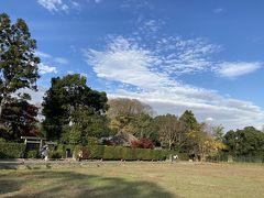落柿舎。長閑な田園風景が嵯峨野の魅力です。