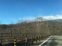 乗鞍岳に近付いて来た  乗鞍岳は北アルプス(飛騨山脈)の南端に位置し、主峰・剣ヶ峰はじめ23の峰と7つの湖、8の平原を含む総称 (高山市公式観光サイトより)