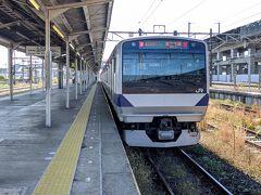 黒磯駅からは東北本線に乗り換え新白河駅へ向かいます♪参考書を床に落としたま爆睡(笑)
