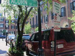 Aコーン通り ここがこの地区一番の名所・石畳のAコーン通りです。