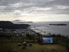 そこから山道を走り、富士見峠展望台。 富士山は見えなかったなぁ。 でも本村が眺められて良い感じ。