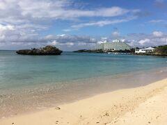 万座ビーチに到着(^^)/ 海が綺麗です♪