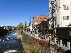 午後だったので、もう終わっていたけれど、右手は、宮川朝市が行われる場所だ。