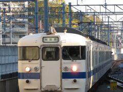 2020.11.15 熊本 しばらくすると、当駅泊まりの395Mが到着!幕がくるくる、ちょうど新田原ゆきを出している。