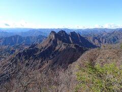 妙義山の最高峰・相馬岳に登頂! あのギザギザの稜線を縦走するのは自分にはとても無理そう。。。
