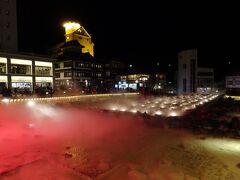 草津温泉の中心の湯畑もライトアップ
