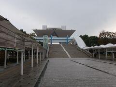 国際展示場....一寸涼しいが爽やか朝散歩