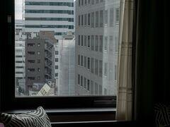 実はもう1泊、翌日の東京駅八重洲口すぐのホテルの朝。 新青森から真っすぐその日のうちに帰宅することもできたのですが、疲れて深夜に着くのを避け、滅多にないことですが東京で1泊していきました。これもGo To 利用だからできたことですね。東京観光するわけではないのですが。  奥入瀬とはあまりにも対照的な景色。