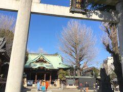 橋から数分北へ歩いて、牛嶋神社へ。