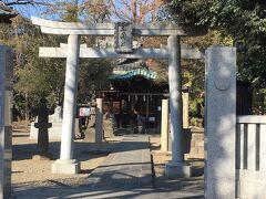 更に北へ数分歩いて、三囲神社へ。