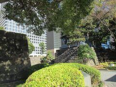皇居にある和田倉門跡です。