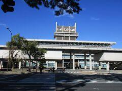興福寺を見学した後は、奈良県庁へ。