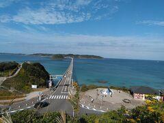 海に突き出たように見える「角島大橋」を渡り、昨日行けなかった「角島」に行きます♪(^o^)