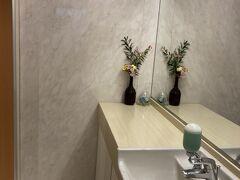 トイレも生花を飾ってきれいでした。