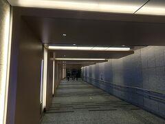 2日目はパレスホテル東京に宿泊です。  大手町駅からホテル直結とのことでしたがホテルまで地下通路をすごく歩くんですね(笑)...天気も良かったし素直に上からのほうが早かったかも。