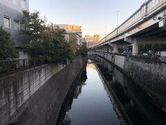 江戸川橋まで来ると神田川が現れます。神田川は江戸城のお堀を兼ねていたことからその流れは今と同じところを流れています。