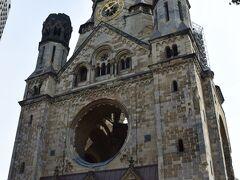 <カイザーヴィルヘルム教会>  ホテルから近いのに、 中を見ていませんでしたので入ってみました。