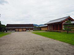 それがこちら「東院庭園」。 平城宮の東に位置し、日本庭園の出発展とされる庭園との事で、かつての様式を復元しているとの事ですが・・・