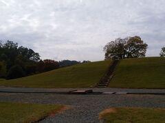 銚子塚古墳に参りましょう。