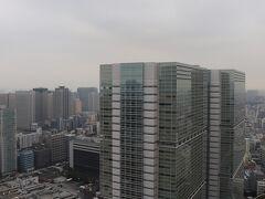 3133号室からの眺望。 正面に品川インターシティのB棟とC棟。