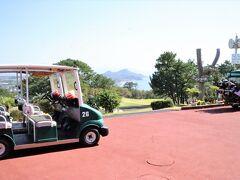 その後、開聞岳でトカラ馬を見て指宿ゴルフクラブで昼食を済ませました