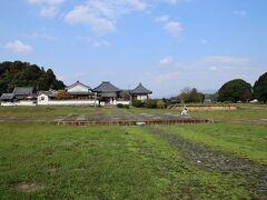 川原寺跡 かつては飛鳥を代表する大寺院があったそうです。
