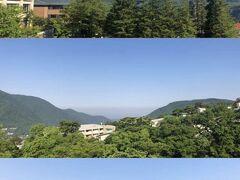 「箱根つつじ荘」あれこれ 上:ちょこっとだけ富士山も見えた。 中:奥は相模湾らしい。上と中は屋上から撮影。 下:昨日着いた直後に撮影した宿泊部屋からの眺め。